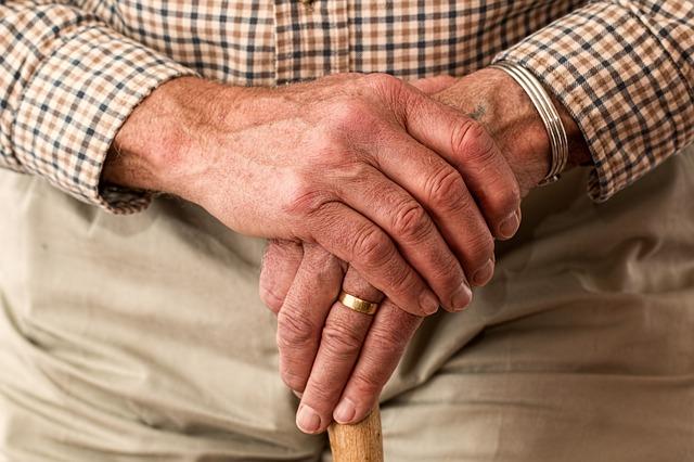 Špatná finanční situace seniorů a jak z toho ven